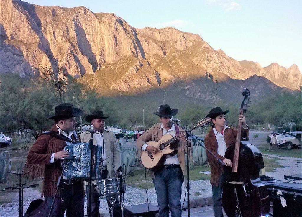 69879a8417 Resulta difícil imaginar a Monterrey sin un acordeón de por medio